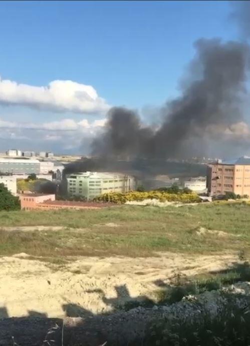 Arnavutköy'de fabrikada yangın