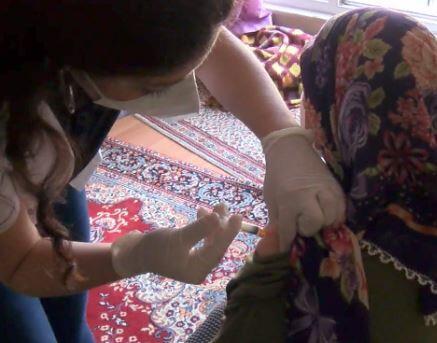 Aşı ikna ekipleri ev ev geziyor