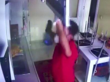 Üsküdar'da hırsızlık anı kamerada