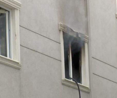 Boşanma aşamasındaki eş evi yaktı